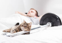 THE HEALTH AND SLEEP BENEFITS ASSOCIATED WITH MUSIC